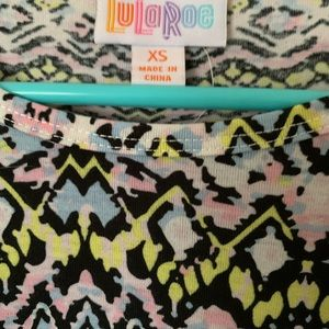 LuLaRoe Tops - Lularoe XS geometric Irma